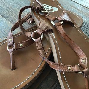 ROXY. strap sandals. size 9
